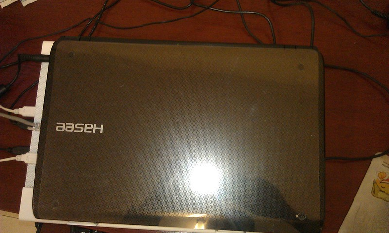 神舟 精盾 K580P-i3 D1 笔记本电脑 GT555M 2G独显游戏本 二代i3 保无亮点屏